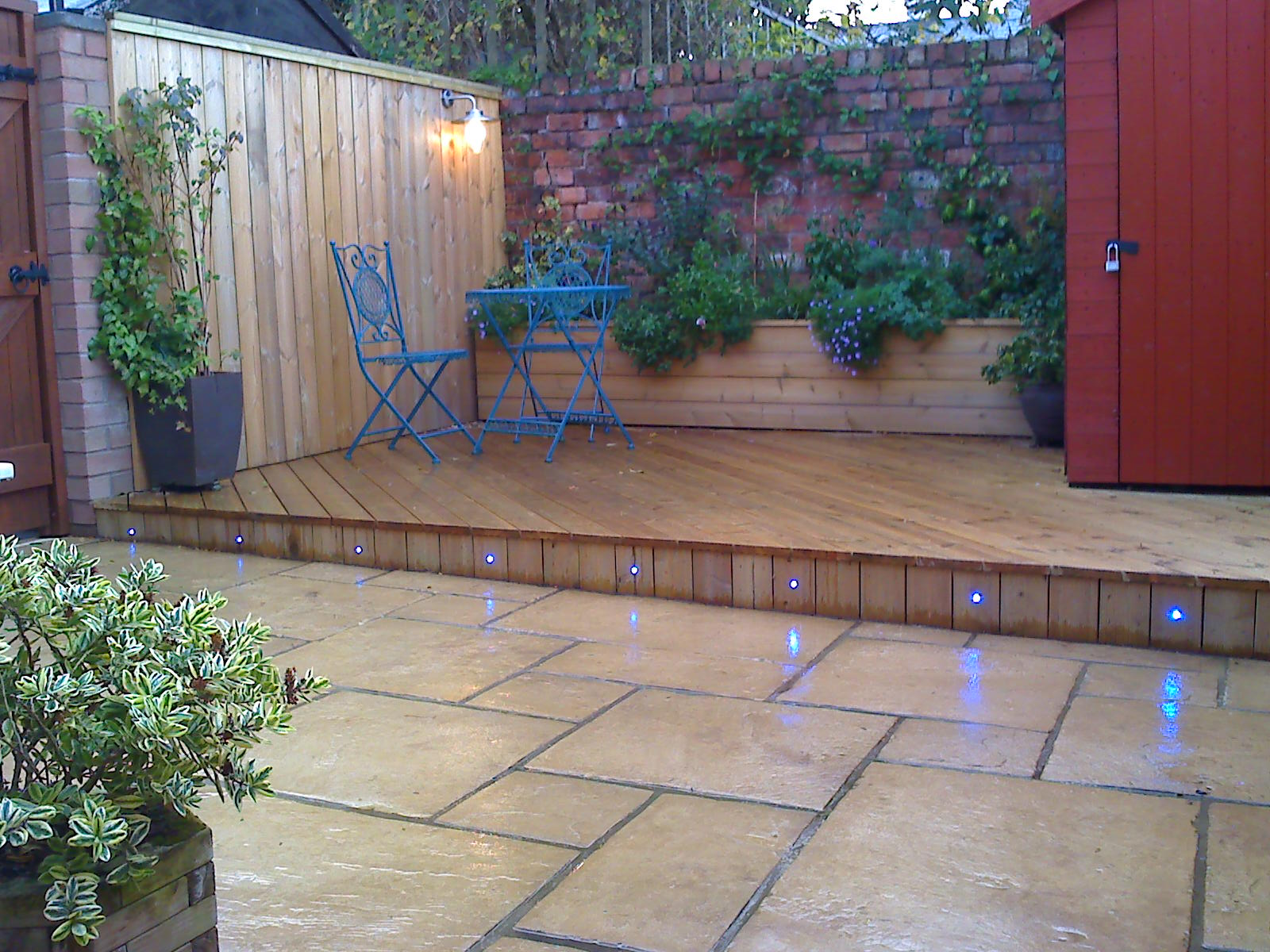 Courtyard decking garden solutions pinterest for Small garden design ideas decking